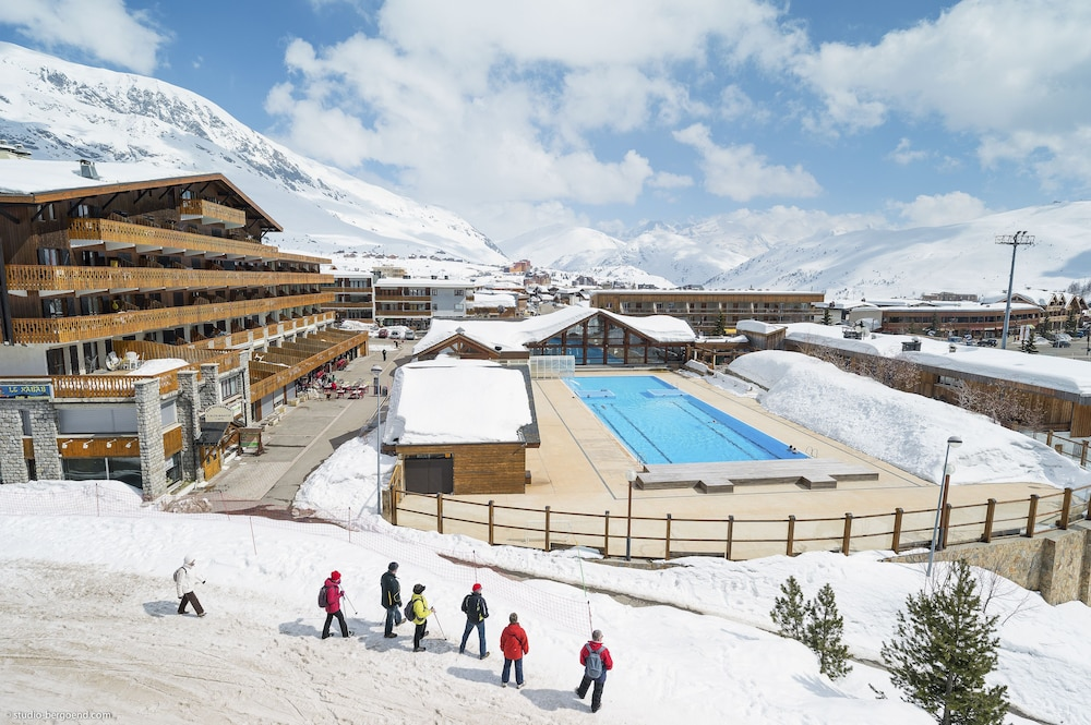 Pierre Vacances Residence Les Bergers In Huez Hotel