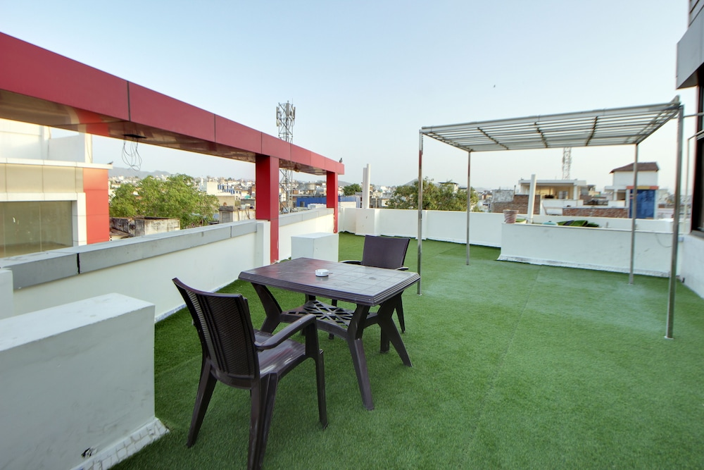 Hotel Royal Dezire In Udaipur District Hotel Rates