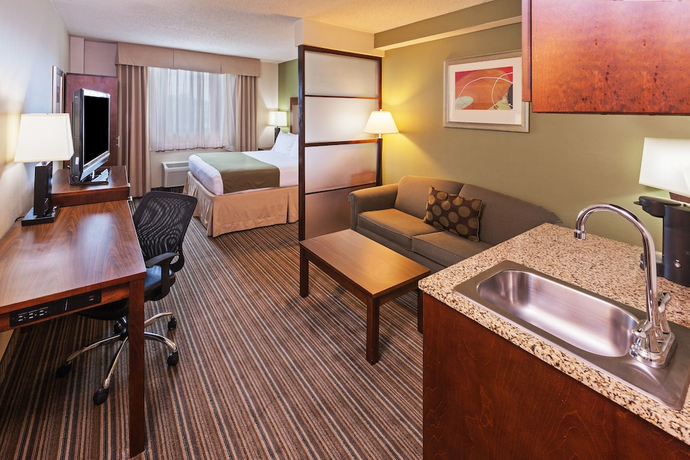 Holiday Inn Express Hotel Suites Fort Worth Downtown In