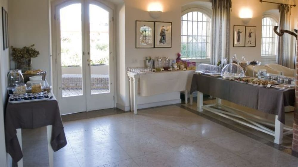 Santellone Resort Brescia Italia Expediait