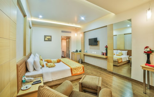 Ramoji Film City Vacations Package Save Up To 583 Expedia