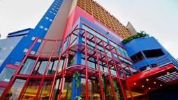 トンタラ リバービュー ホテル