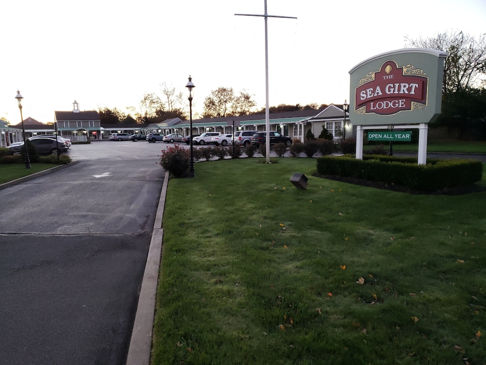 Sea Girt Lodge In Point Pleasant Toms River Hotel Rates