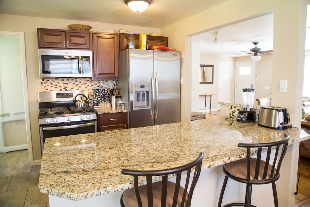 new kitchen backsplash design ideas room for the whole family sleeps 12 near 1st bank featured image