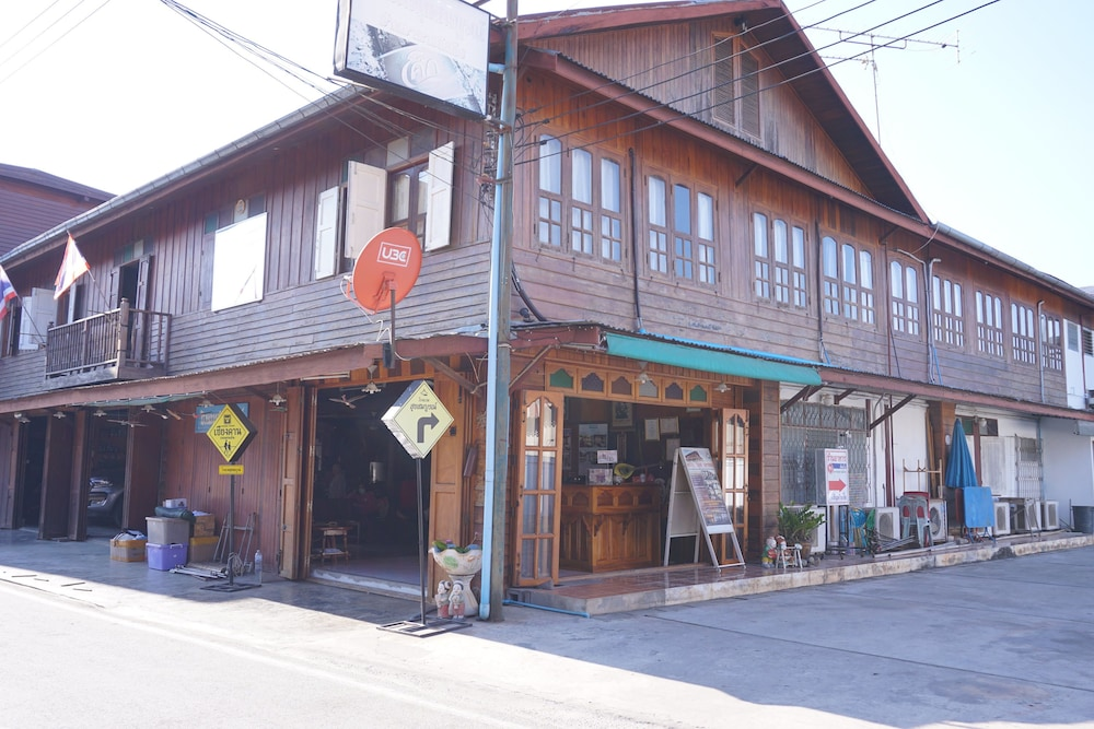 Suksomboon Hotel Chiangkhan In Chiang Khan Hotel Rates