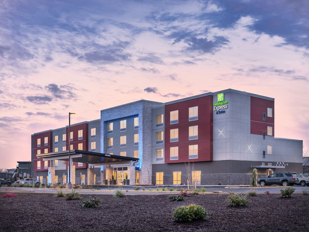 Holiday Inn Express Suites Salem North Keizer In Salem