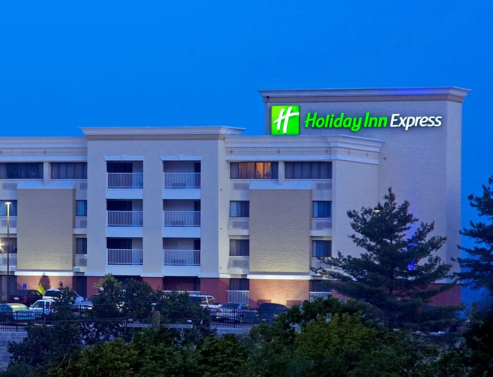 Holiday Inn Express West Cincinnati In Cincinnati Hotel