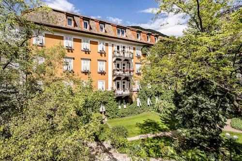 4 Sterne Hotel In Kaltern An Der Weinstraße Jetzt Günstige