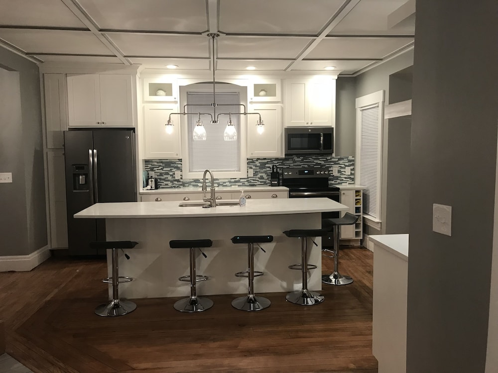 cutler kitchen and bath triple sink amazing renovation in 2018 1 block to town 5 the beach a 特色图片