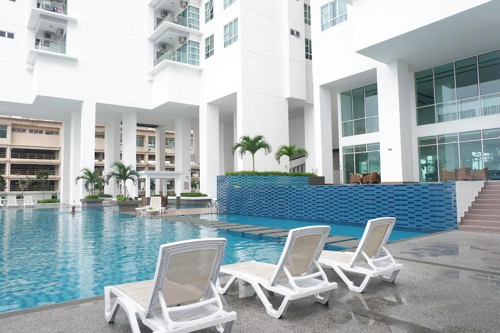 folding chair johor bahru navy blue office flexiasia city garden pinnacle tower mys expedia