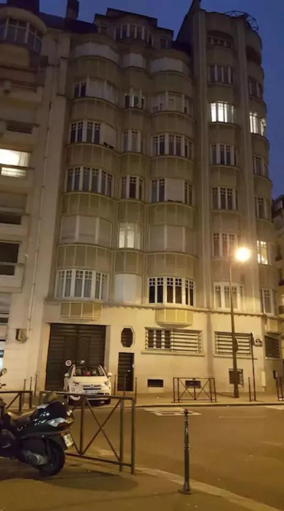 Studio Apartment Near The Eiffel Tower In Paris Hotel