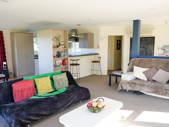 Vibrant Living Retreat Deals Reviews Hanmer Springs Nzl