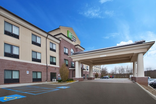 Hotels Near Tanger Outlet Center In Pittsburgh From 43