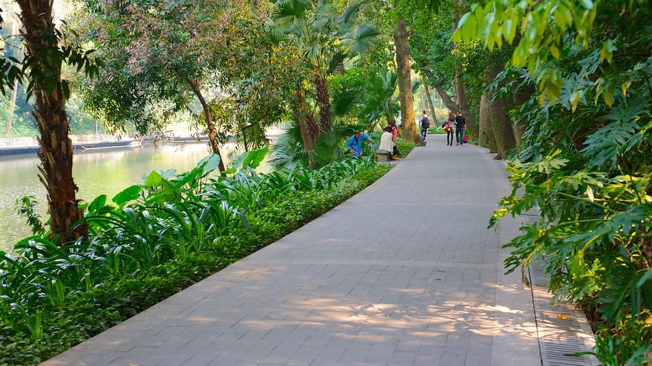 Yuexiu Park in Guangzhou. | Expedia