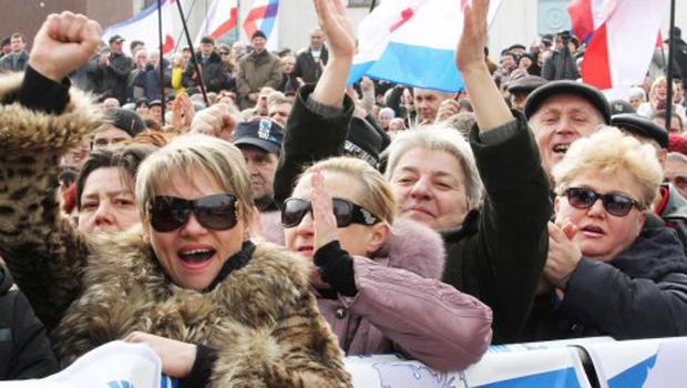 Митинг в поддержку референдума о статусе Крыма в Симферополе, 9 марта 2014 г.