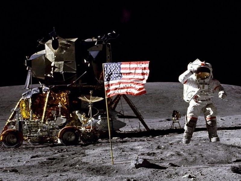 В этот день в 1972 годуэкипаж «Аполлона-17» стал последним, кто ступил на лунную поверхность из людей / фото NASA, Charles M. Duke Jr.