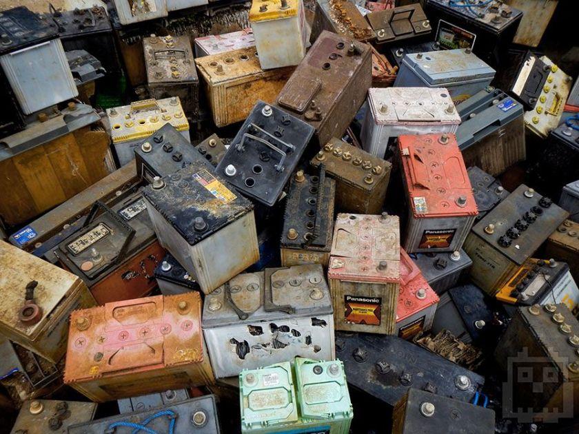 Компанії з утилізації купують використані автомобільні акумулятори  / stinger-acc.ru