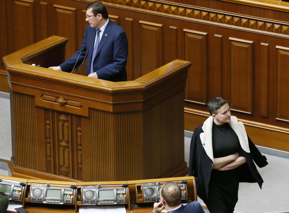 Также известно, что от Надежды Савченко ушли адвокаты
