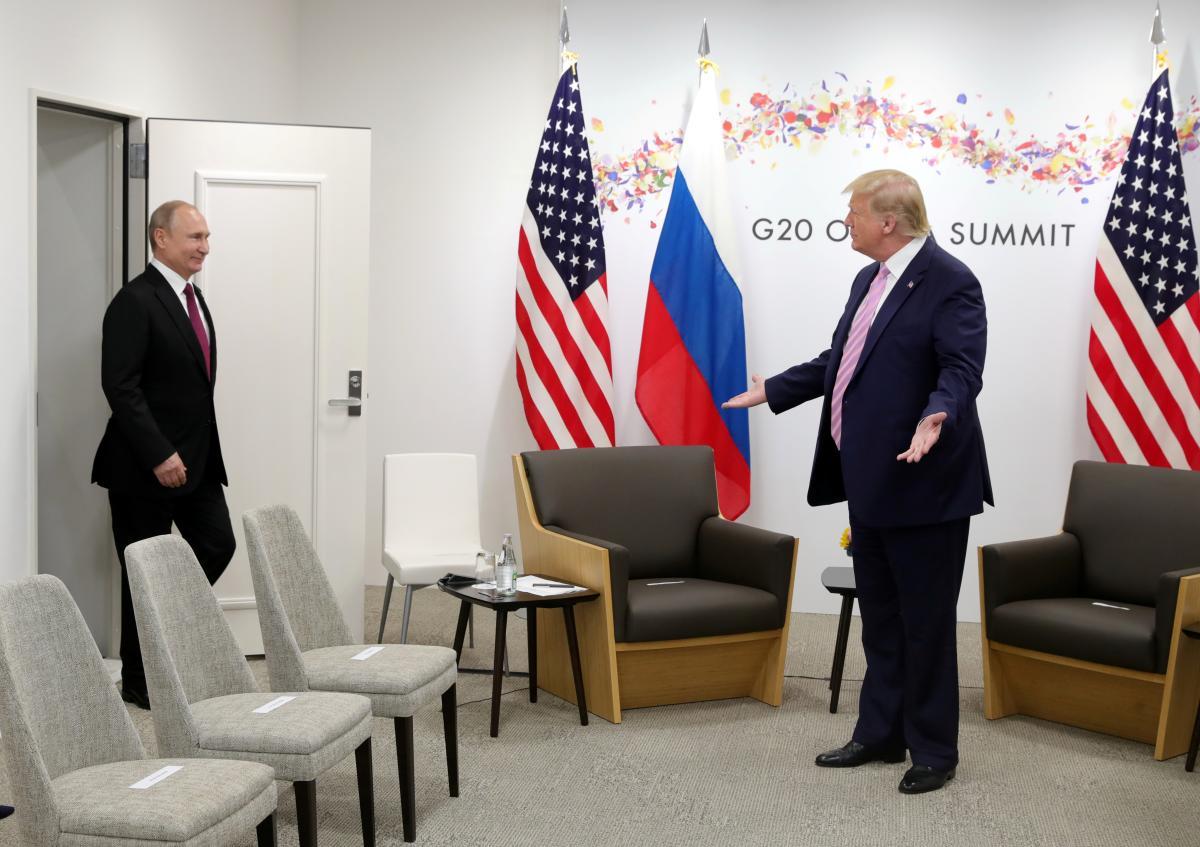 Reuters Trump Putin Phone Calls In U S Democrats Sights