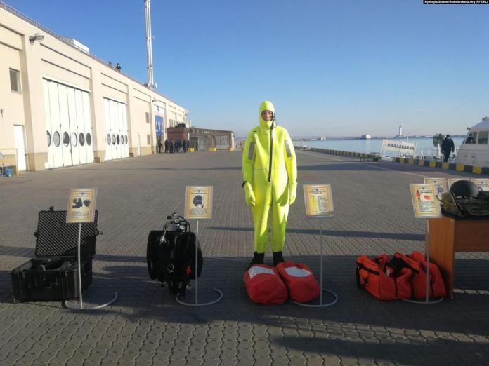 Всі бійці морської охорони отримали два види захисних костюмів / Фото: Радіо Свобода
