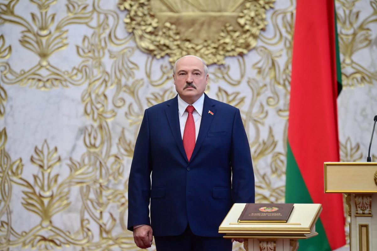 Александр Лукашенко во время непризнанной инаугурации / REUTERS