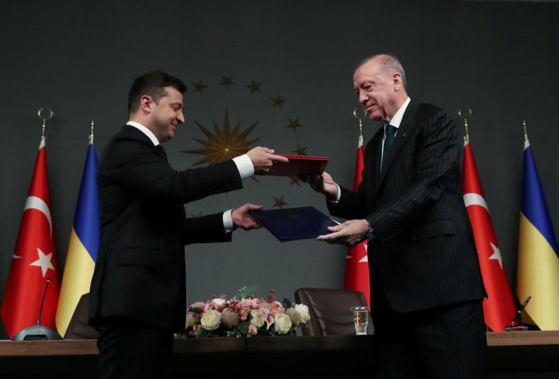 Volodymyr Zelensky and Recep Tayyip Erdogan / REUTERS