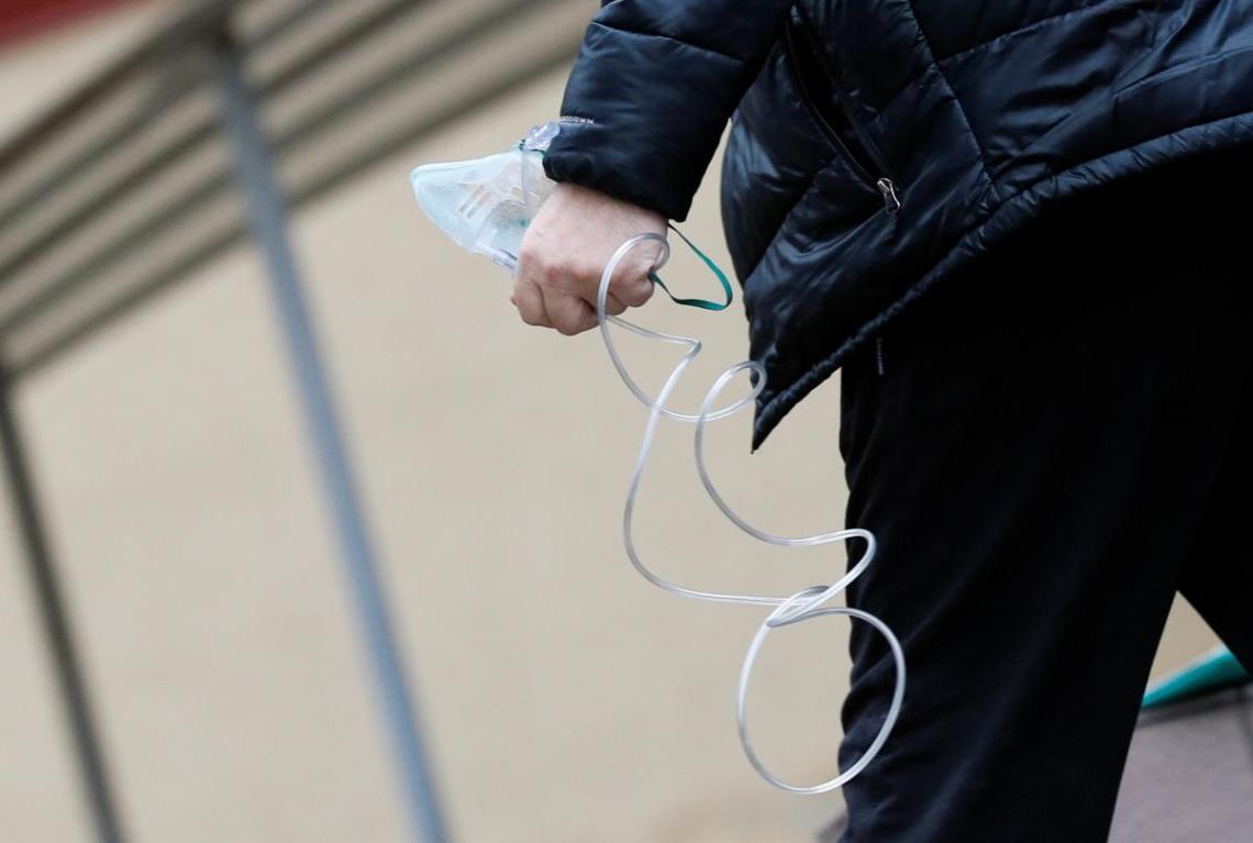 Чиновники за семь месяцев пандемии не смогли позаботиться об обеспечении клиники кислородом, жалуются медики / Фото: REUTERS