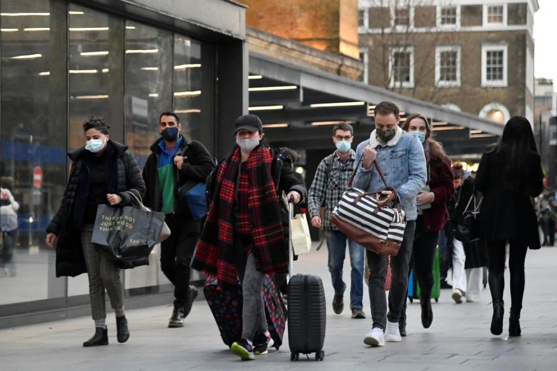 Новый штамм коронавируса зафиксировали в Британии / REUTERS