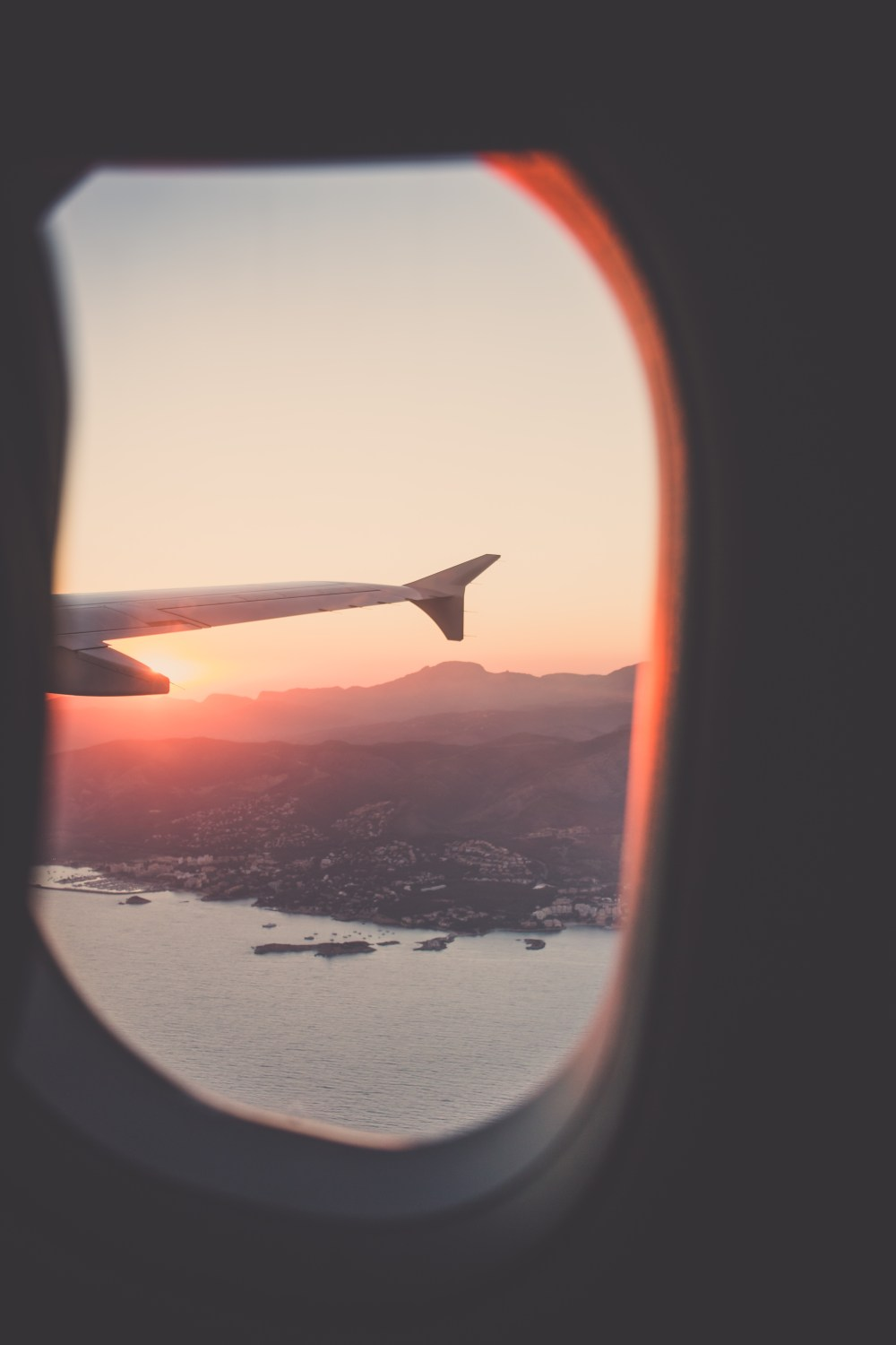 27 airplane window pictures
