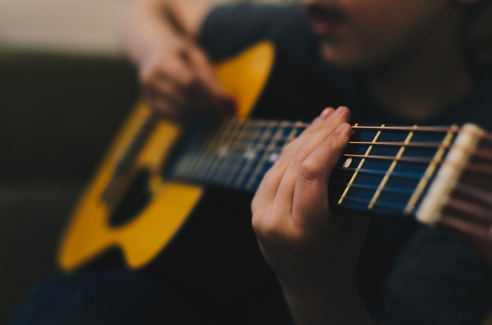 500 acoustic guitar pictures