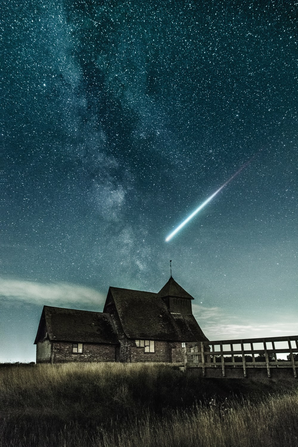 Meteor Falling Wallpaper 100 Shooting Star Pictures Download Free Images On Unsplash
