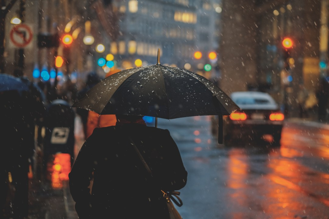 Rainy Day Girl Live Wallpaper Download Street Evening Umbrella And People Hd Photo By Osman