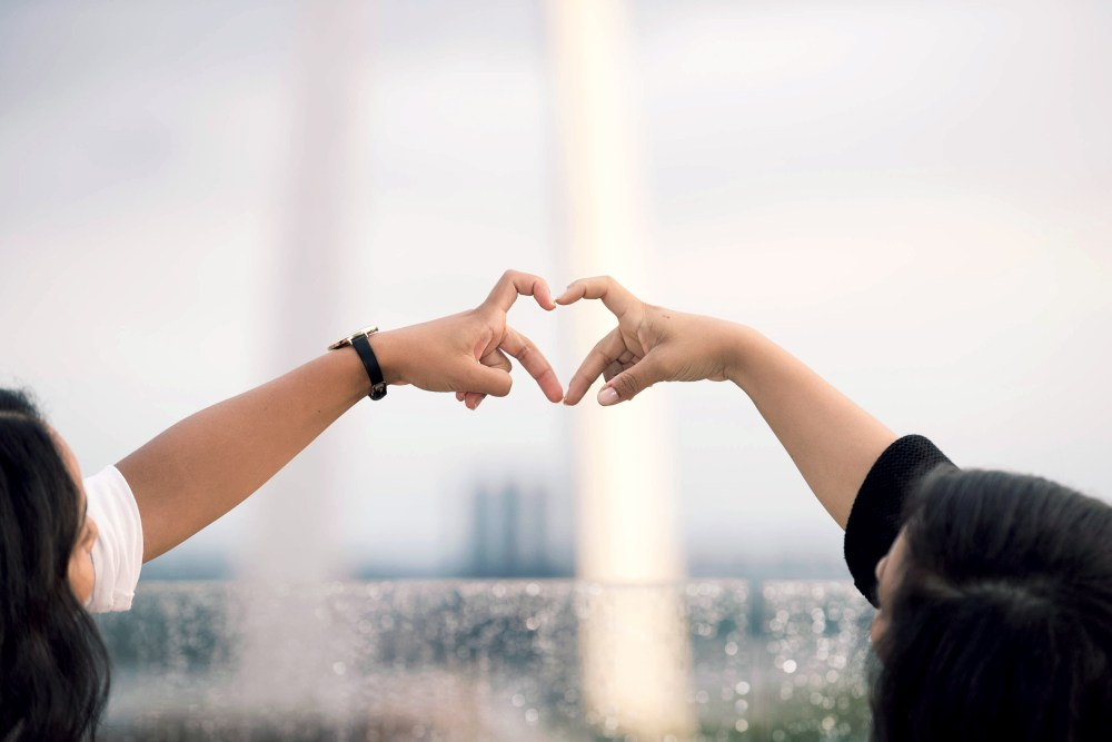 Cute Fall Out Boy Wallpapers Two Person Doing Heart Hand Sign During Daytime Photo