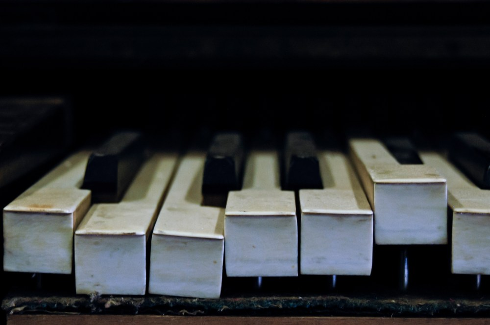 old piano keys pictures