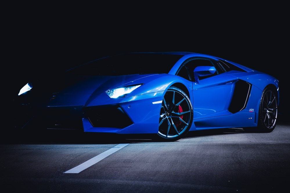 Bystander video captures the moment when a lamborghini gallardo spins out and crashes on a georgia street. Lamborghini Wallpapers Free Hd Download 500 Hq Unsplash