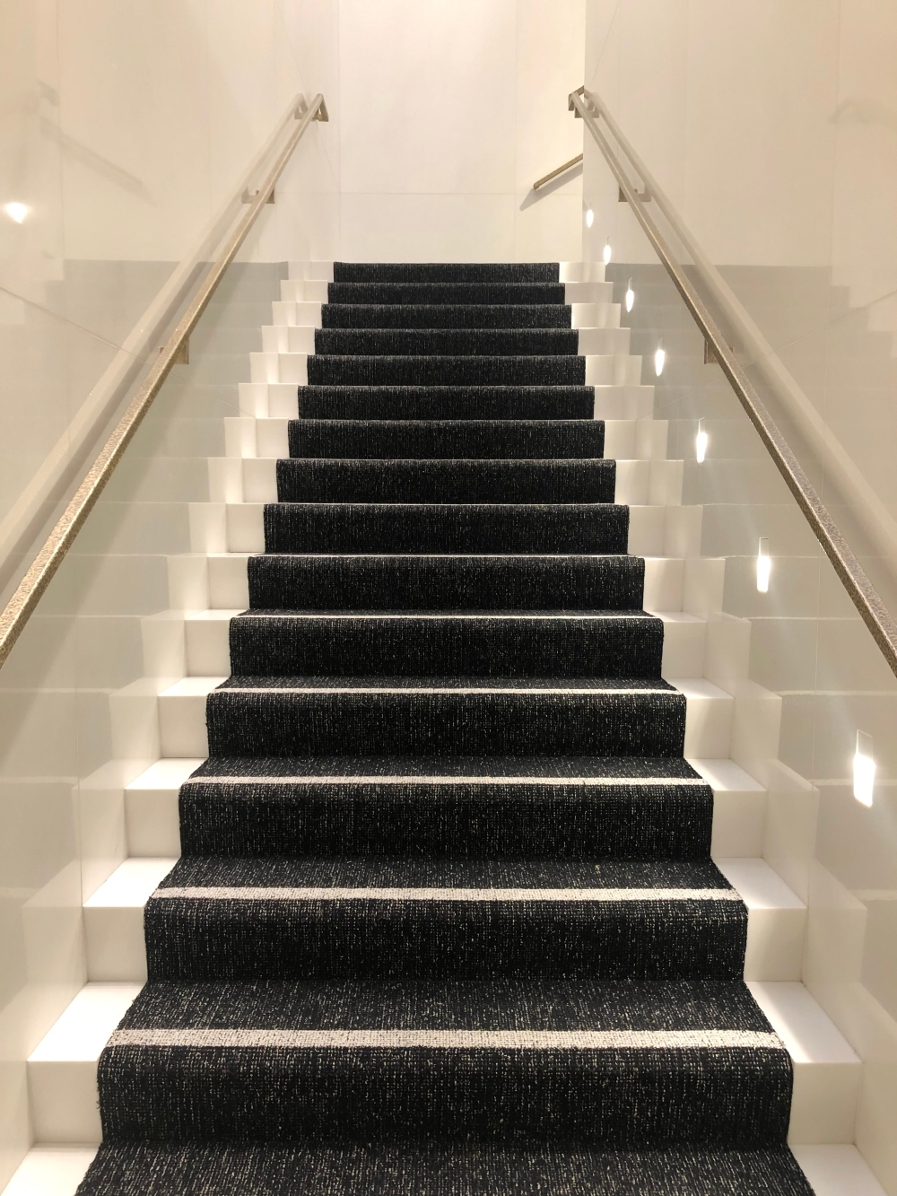 Black And White Staircase With White Railings Photo – Free | Black And White Staircase Railing | Colour Combination | House | Indoor | 1920'S | Floors