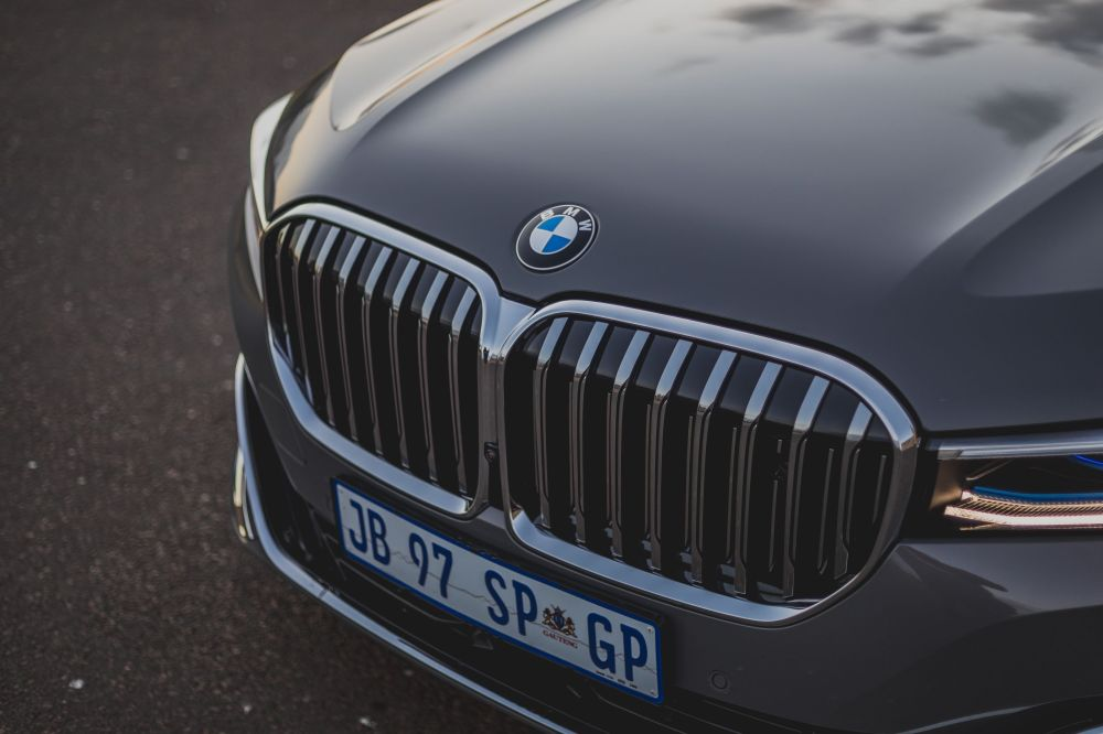The average bmw 5 series car insurance cost is $168 a month, or $2,016 a year. Bmw 7 Series Pictures Download Free Images On Unsplash