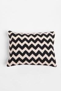 Pillows, Blankets, + Throws | Apartment - Urban Outfitters