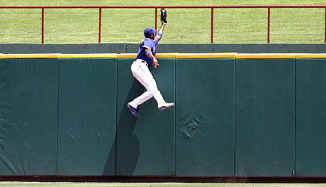 Gary Mathews Jr great catch baseball centerfield