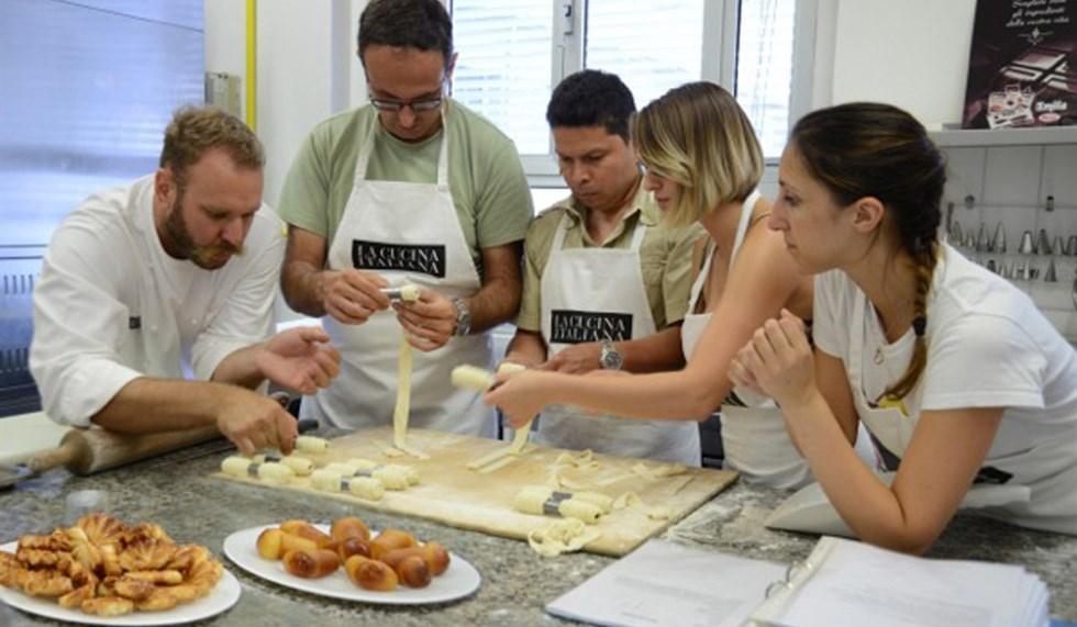 La Scuola de La Cucina Italiana al via i corsi  VanityFairit
