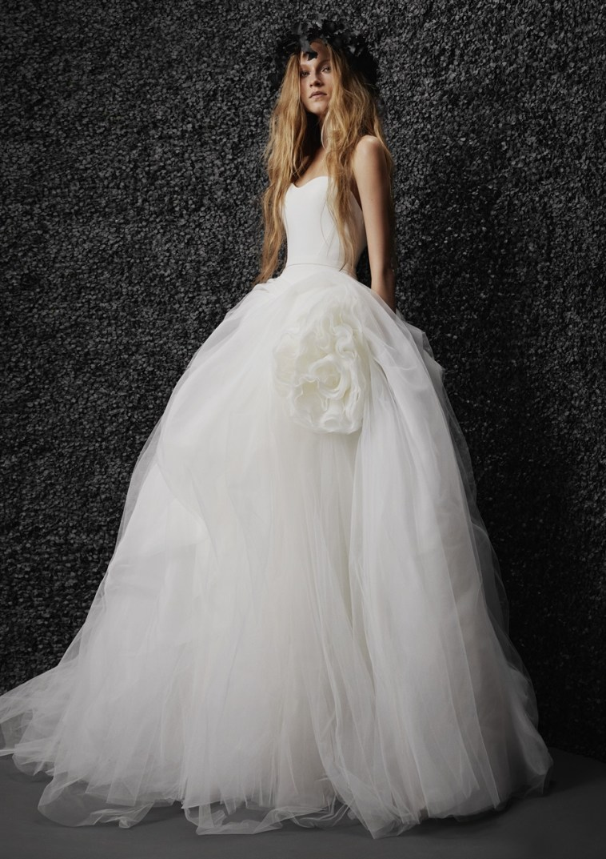 Vera Wang alle future spose: «Non lasciatevi intimidire dalla moda»