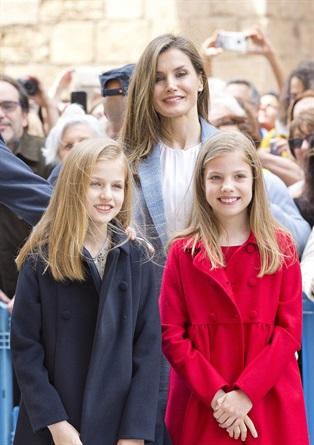 Letizia di Spagna e le figlie Leonor e Sofia piccole