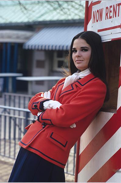 1967, Ali MacGraw in un servizio fotografico per Glamour. Foto Getty