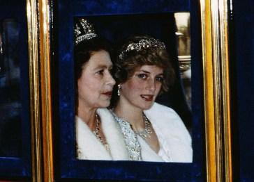 La morte di lady Diana e l'iniziale gelo di Elisabetta II: un errore che ancora pesa sulla regina