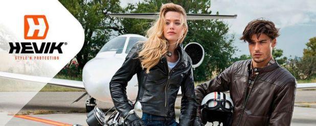Hevik, die Marke, die italienischen Style mit Motorradbekleidung verbindet, bietet eine breite Produktpalette für alle, die bei ihrer täglichen Leidenschaft für zwei Räder nicht auf Sicherheit verzichten wollen.