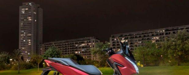 Dank dezenter Änderungen im Design wirkt der Forza 125 moderner und schicker als bisher.