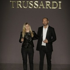 Makeup Chairs Office Chair Cylinder Trussardi Splits With Vukmirovic - Vogue.it