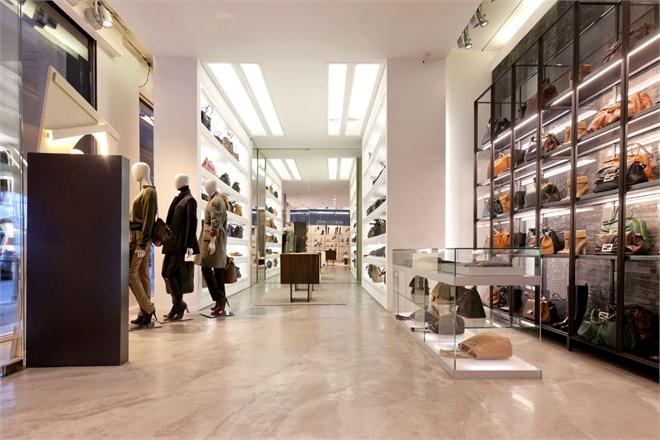 Shopping a Brescia  Vogueit