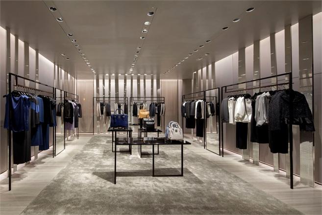 Giorgio Armani apre a Roma  Vogueit