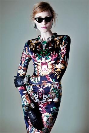 Abito stampato con diamanti e gioielli by Marcobologna AI 2012/2013 (brand vincitore della sezione di Who is on Next? dedicata all'abbigliamento)